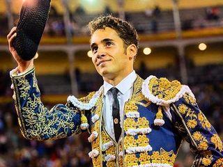 dia_del_orgullo_gay-plazas_de_toros-famosos_160996584_18282106_320x240